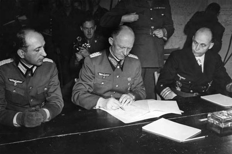 germany-ww2-surrender-reims