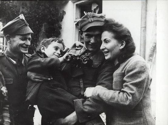 radosc-z-zakoczenie-wojny-w-polsce-1945