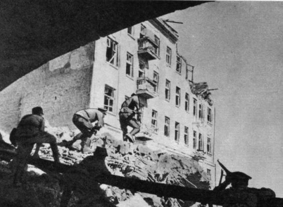 kosciuszkiowcy-na-pradze-1944