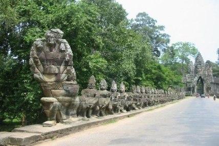 Wejście do Angkor Thom, fot. C. Karras