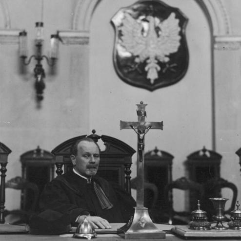 Przewodniczący składu sędziowskiego sędzia Klemens Hermanowski w czasie rozprawy. Fot. NAC