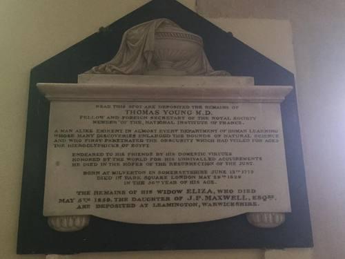 Grób Thomasa Younga w kościele św. Idziego w Farnborough. Fot. Adrien Thomas/The History of Medicine Topographical Database