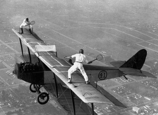 Gra tenisa w powietrzu