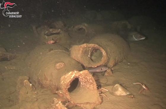 amfory z rybnem sosem na wraku sprzed 2 tys. lat