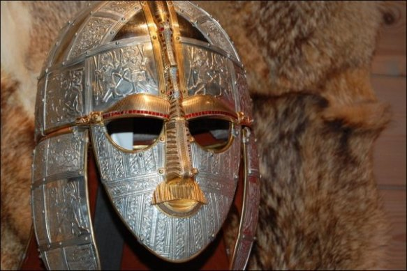 anglosaski hełm z Sutton Hoo