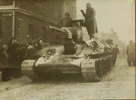 Czołg T34 76 z 1.Brygady Pancernej nr 228 Wełniany Rynek Bydgoszcz