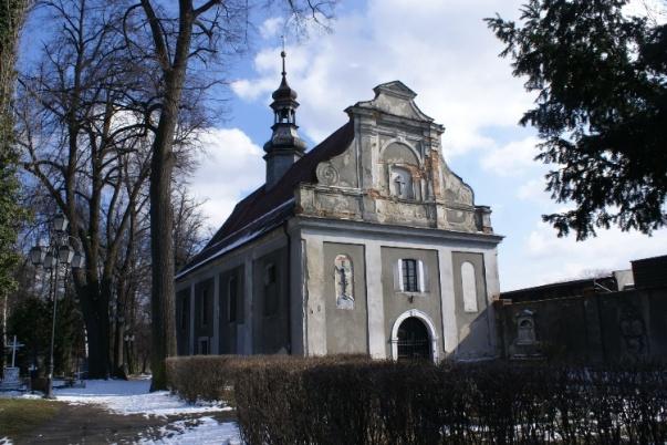 kaplica-cmentarna-zabkowie-slaskie-zima3