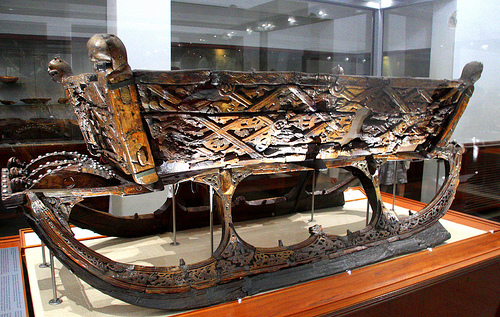Oseberg-Viking-ship-sledge 1