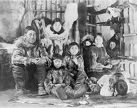rodzina-inuitow