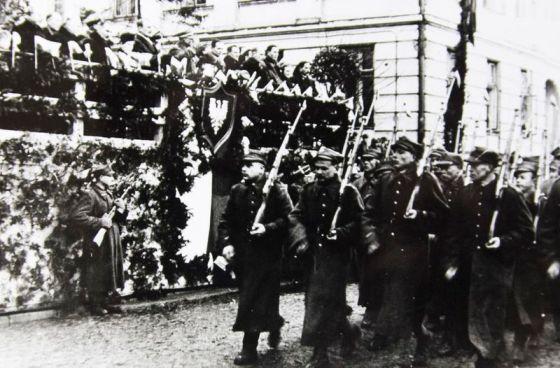 11 lutego 1945 r. Powitanie 9 Dywizji