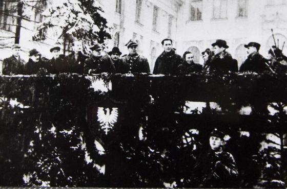 18 lutego 1945 r. Defilada i pożegnanie