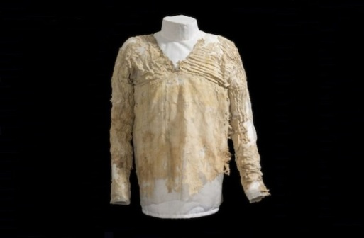 The-Oldest-Surviving-Dress-Was-Made-Some-5000-Years-Ago-In-Egypt-1