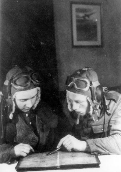 1945 Bydgoszcz dwaj polscy lotnicy
