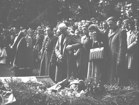 pogrzeb zabitych żołnierzy KBW w Nowym Targu 1946 1