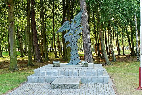pomnik dziwnówek LWP 1945