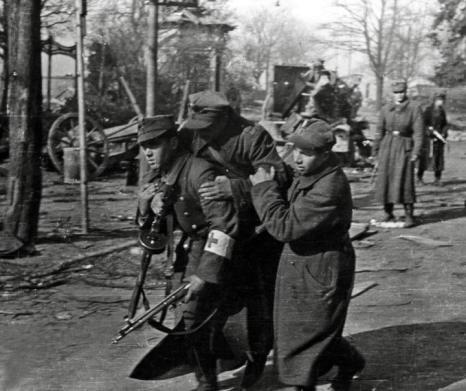 ranny polski żołnierze w Kołobrzegu