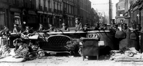 37971-04  British Troops.  Obligatory Credit - CAMERA PRESS/ILN.  Manning the barricades: Archive image of a barricade across Talbot Street, Dublin, manned by British soldiers in an effot to quell the insurrection of Irish nationalists during the Easter Rising of 1916.  1916