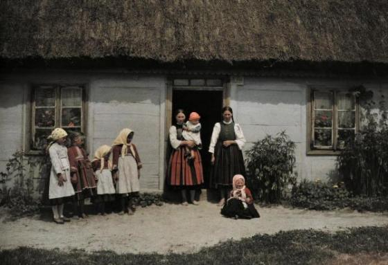 Color Photographs of Life in Poland, 1932 (16)