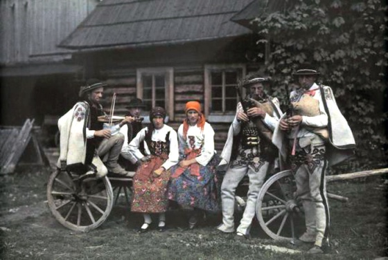 Color Photographs of Life in Poland, 1932 (6)