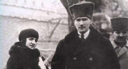 Ataturk z żoną Latifa Uşaklıgil
