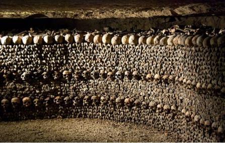 historic-underground-catacombs-paris