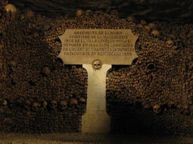 Magdeleine-cemetery-bones