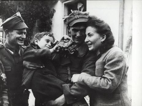 radosc z zakoczenie wojny w Polsce 1945