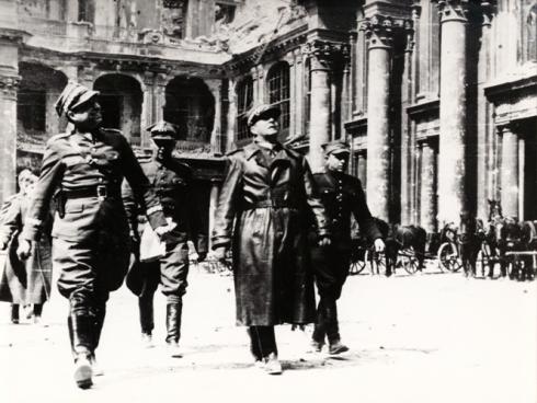 Zymierski i Spychalski w Berlinie 1945