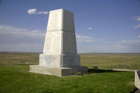 obelisk-upamietniajacy-bitwe-po-Little_Bighorn