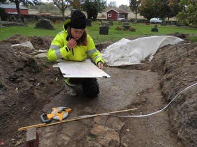 archeolog-emelie-sunding-podczas-wykopalisk-fot-robin-lucas