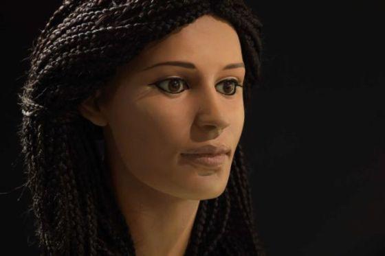 twarz-mlodej-kobiety-egipskiej-sprzed-2300-lat
