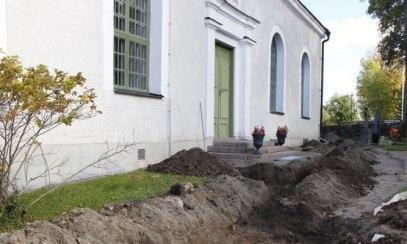 znaleziono-kamien-runiczy-przed-kosciolem-w-hagby