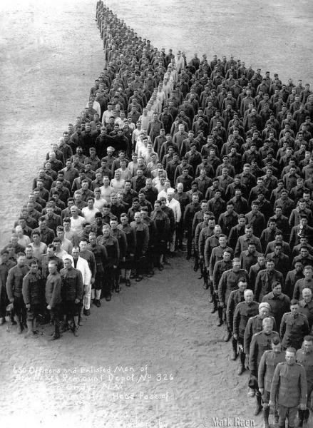 zolnierze-skladaja-hold-8-milionom-koni-oslow-i-mulow-ktore-zginely-w-czasie-i-wojny-swiatowej