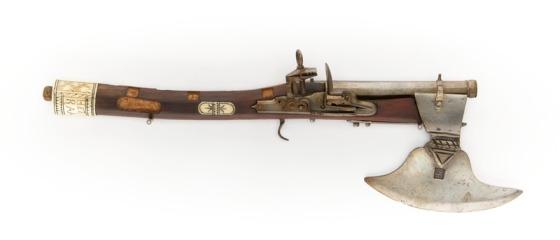 kombinationsvapen_pistolyxa_1600-talets_mitt_-_skoklosters_slott_-_103335-tif