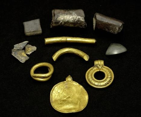 zloty-amulet-odyna-i-inne-przedmioty-loliland