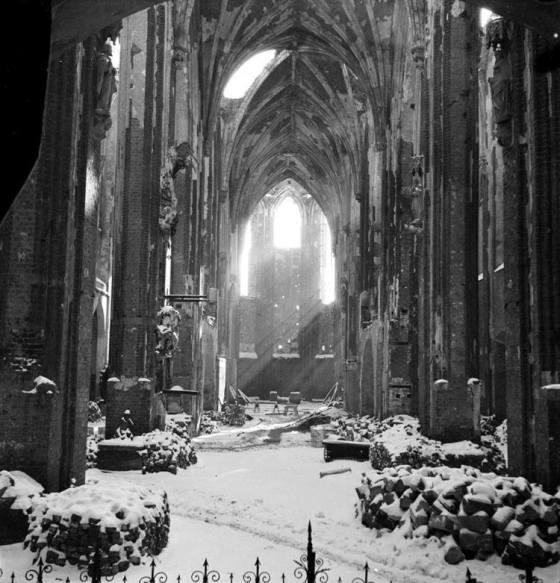 1947-48-wroclaw-ruiny-kosciola-najswietszej-marii-panny-na-piasku