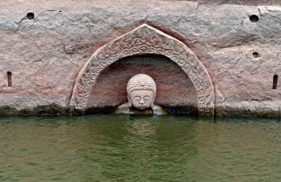 posag-buddy-jezioro-zuixian-1