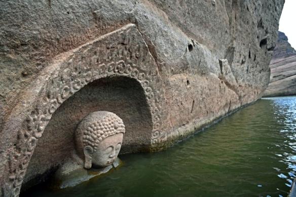 Posąg buddy 2