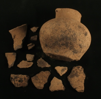 przedmioty Hatsarat Urartu dzban 2.jpg