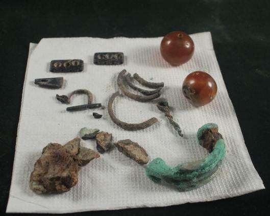 przedmioty-hatsarat-urartu-koraliki-1