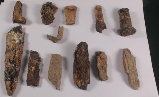 przedmioty Hatsarat Urartu sztylety i wlocznie 5.jpg