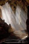 Wejście do świątyni w jaskini Khao Luang,Tajlandia